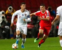 """Serbia 2-4 Bồ Đào Nha: Trở lại hình ảnh """"vị vua"""" châu Âu"""