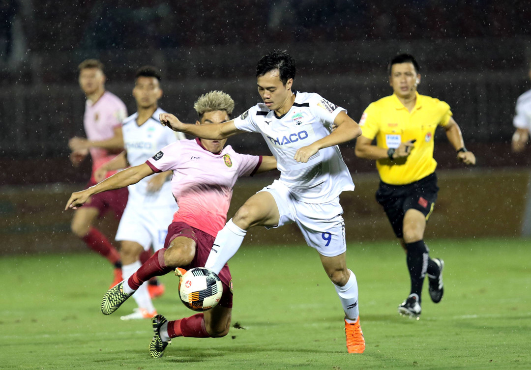 vong 23 v league hagl dai bai tren san thong nhat