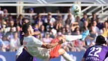 Fiorentina 0-0 Juventus: C.Ronaldo bất lực, Juventus đánh mất ngôi đầu