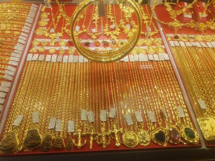 Giá vàng hôm nay 29/9: Vàng trong nước tiếp tục giảm