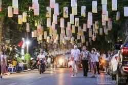 Phố đèn lồng lung linh ảo diệu hot nhất Hà Nội mùa Trung thu
