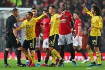 """Man Utd 1-1 Arsenal: VAR """"lên tiếng"""", bất phân thắng bại"""