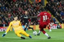 Liverpool 4-3 Ѕalzburɡ: Công làm thủ phá, Lữ đoàn đỏ toát mồ hôi kiếm 3 điểm