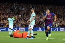 Barcelona 2-1 Inter Milan: Cú đúp mang tên Suarez, Barca thắng kịch tính