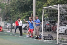 Báo Tuổi trẻ Thủ đô thắng trận đầu tiên, dẫn đầu bảng A