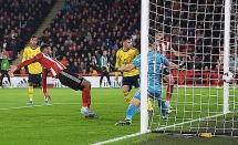 sheffield united 1 0 arsenal hang cong vo duyen phao thu de thua muoi mat