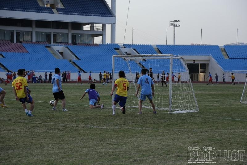 Báo Tuổi trẻ Thủ đô giành 3 điểm trong ngày ra quân tại giải Press Cup