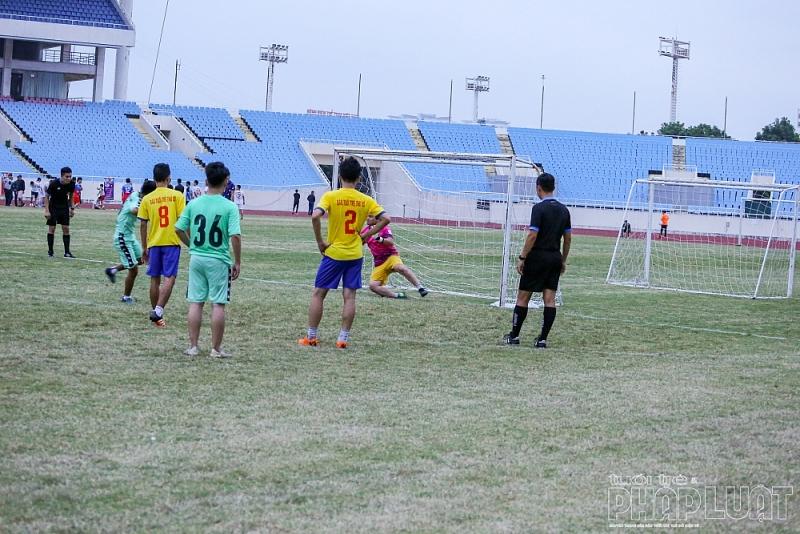 Press Cup 2020: Báo Tuổi trẻ Thủ đô đánh rơi 2 điểm ở những phút cuối trận