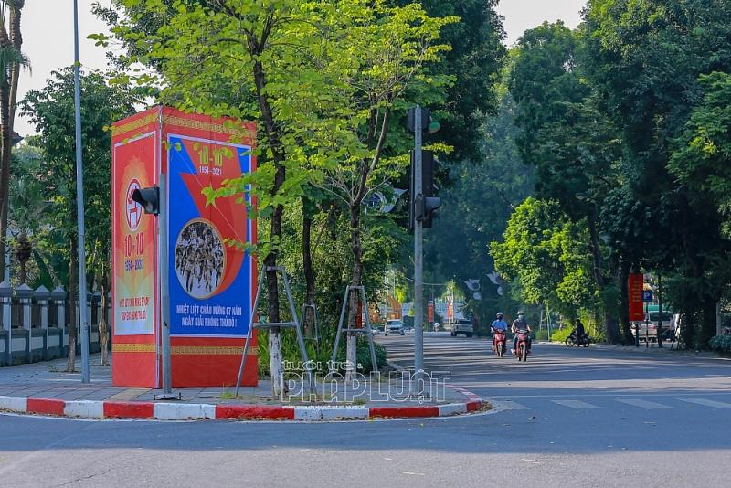 Hà Nội rực rỡ cờ hoa chào mừng Ngày Giải phóng Thủ đô