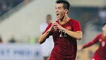 Việt Nam 1-0 UAE: Thẻ đỏ cho đội khách và siêu phẩm giúp Việt Nam lên đỉnh