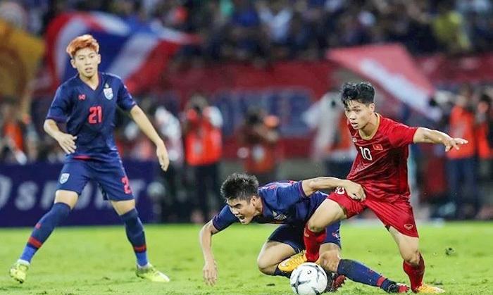 doi hinh ra san viet nam vs thai lan thay park bat ngo tung chieu