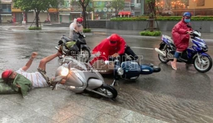 Hình ảnh những thiệt hại do cơn bão số 12 gây nên tại Nha Trang
