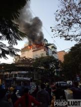 Hà Nội: Cháy quán karaoke trên phố Thi Sách