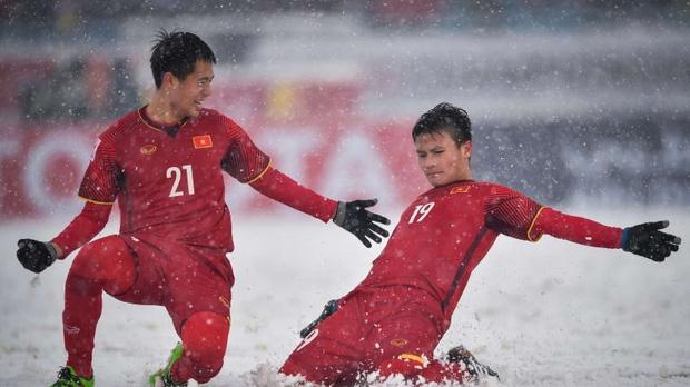 """Siêu phẩm đá phạt """"cầu vồng trong tuyết"""" của Quang Hải lọt top 8 """"Bàn thắng biểu tượng"""" VCK U23 châu Á"""