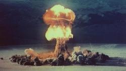 Vì sao cần cấm hoàn toàn vũ khí hạt nhân?