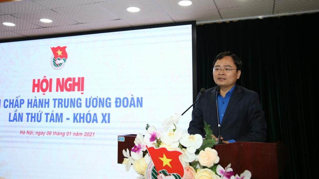 Bí thư thứ nhất Trung ương Đoàn Nguyễn Anh Tuấn phát biểu tại hội nghị