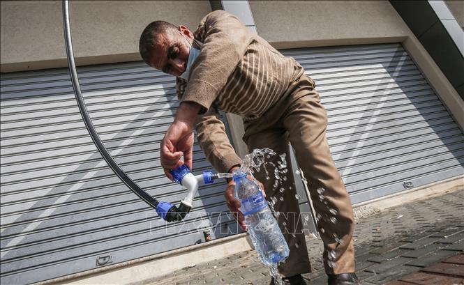 Độc đáo công nghệ chiết xuất nước uống từ không khí