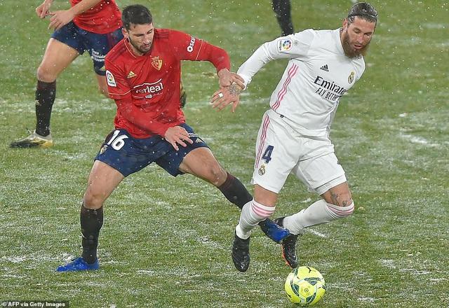 Hòa thất vọng, Real Madrid có nguy cơ bị Atletico bỏ xa - 8