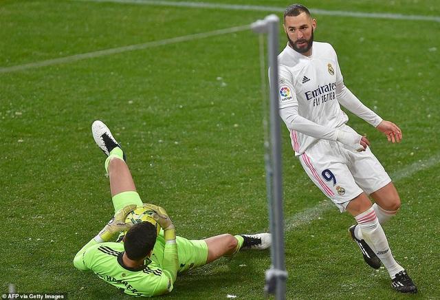 Hòa thất vọng, Real Madrid có nguy cơ bị Atletico bỏ xa - 6
