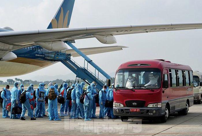Thận trọng trong đưa người nhập cảnh vào Việt Nam