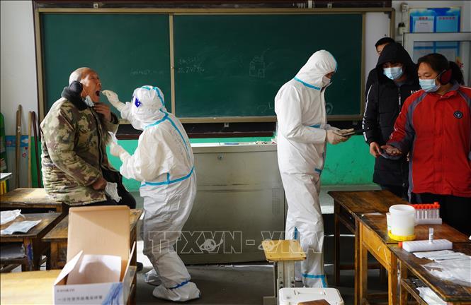 Trên 20.000 dân làng Trung Quốc được di dời tới khu cách ly phòng COVID-19