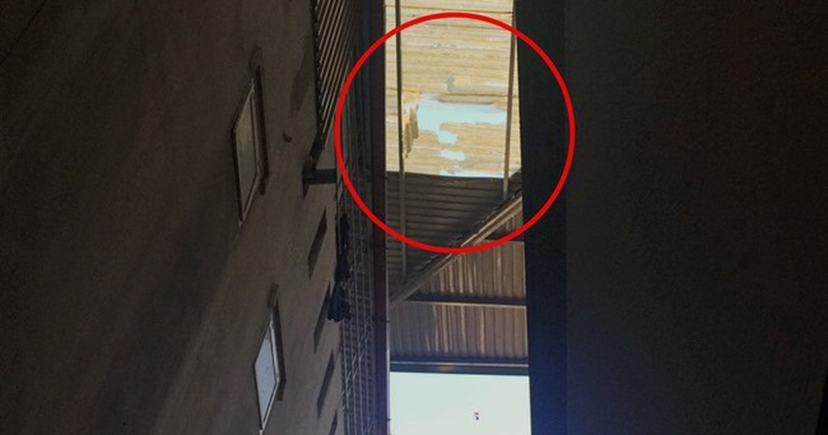 Trèo lên mái nhà quay video Tik Tok, nam thanh niên rơi xuống đất tử vong
