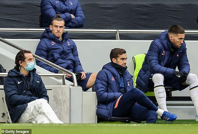 HLV Mourinho tức giận, muốn tống khứ người thừa Gareth Bale - 1
