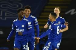 Leicester 2-0 Chelsea: Trượt ngã ở King Power