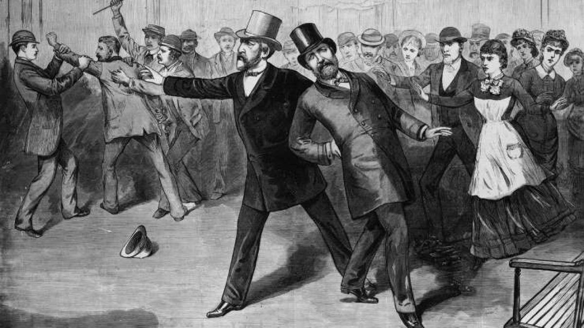 James Garfield (1831-1881): James Garfield có khả năng viết bằng cả tay trái và tay phải cũng như viết cả 2 ngôn ngữ là tiếng Hy Lạp và tiếng Latin cùng lúc bằng 2 tay.