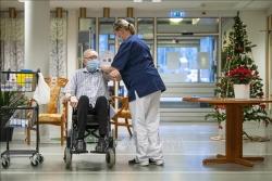 Diễn biến COVID-19 tới 6h sáng 22/1: Thế giới gần 98 triệu ca bệnh; Người chết vì COVID-19 ở Mỹ nhiều hơn tử sĩ Thế chiến II