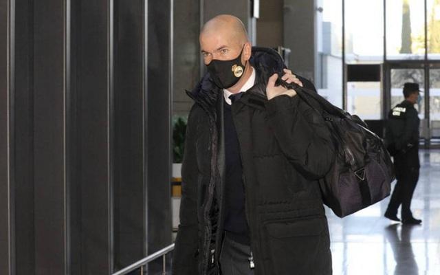 Real Madrid đón tin sốc khi HLV Zidane nhiễm Covid-19