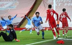 Liverpool 1-4 Man City: Ba phút thảm họa của thủ thành Alisson