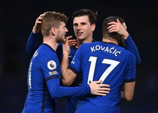 Đánh bại Newcastle, Chelsea đẩy Liverpool ra khỏi Top 4