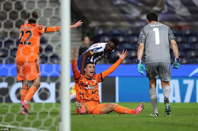 C.Ronaldo tịt ngòi, Juventus thua choáng váng trước Porto - 6