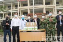 CLB Báo chí đồng hương Bắc Giang tại Hà Nội tặng 5000 tuýp Gel sát khuẩn phòng, chống Covid-19