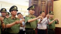 dai tuong to lam dang huong tai khu luu niem sau dieu bac ho day cong an nhan dan