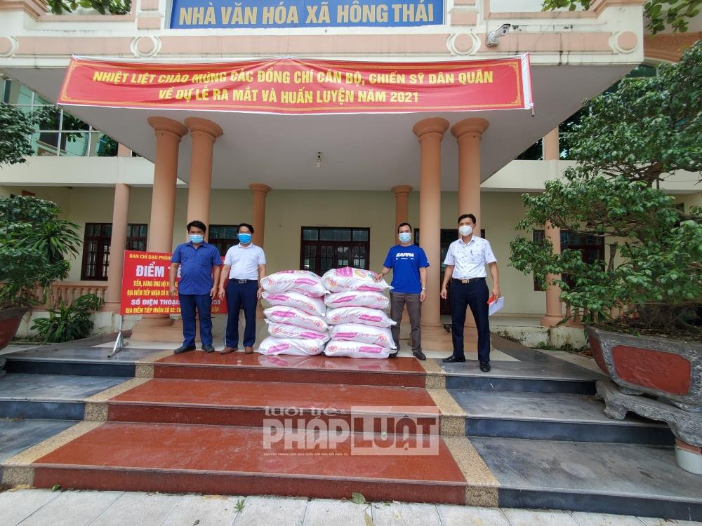 Báo Tuổi trẻ Thủ đô ủng hộ 10 tấn gạo, tiếp tục đồng hành cùng Bắc Giang chống dịch Covid-19