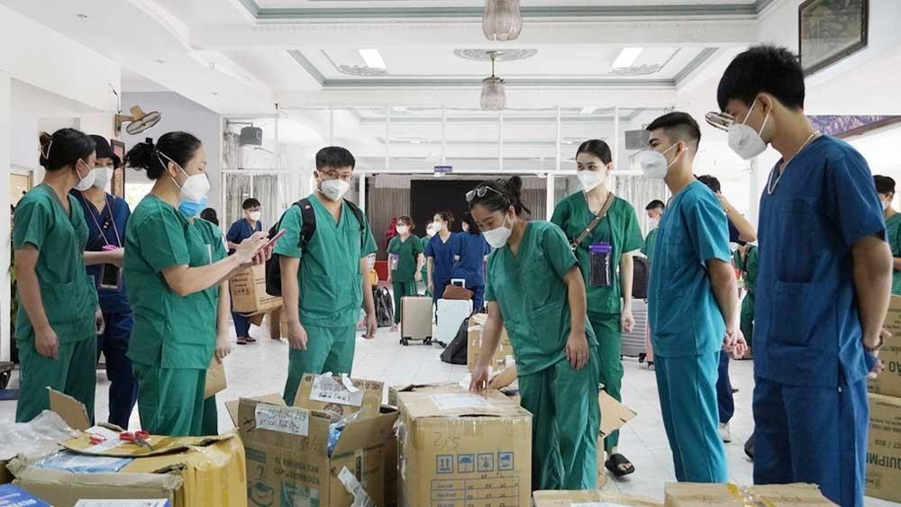 Đoàn cán bộ y tế Bắc Giang tham gia phòng, chống dịch tại Long An