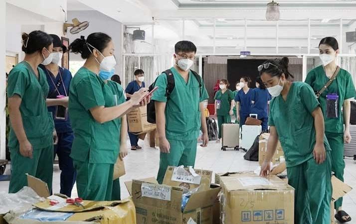 Bắc Giang tiếp tục chi viện hơn 100 cán bộ y tế cho TP HCM, Long An, Bình Dương