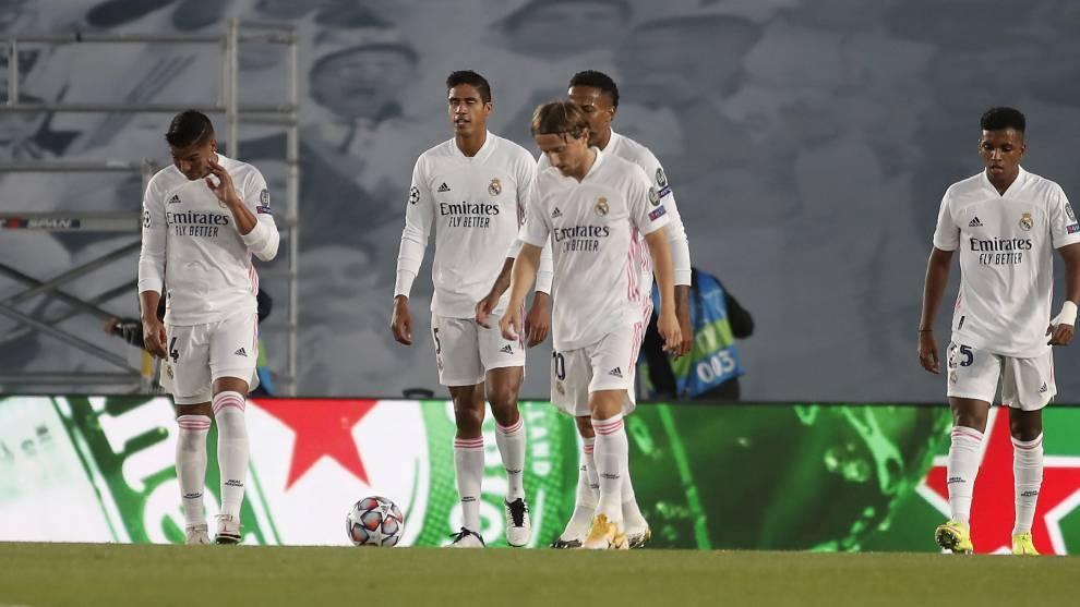 Các cầu thủ Real Madrid, bối rối sau bàn thắng đầu tiên của Shakhtar Donetsk