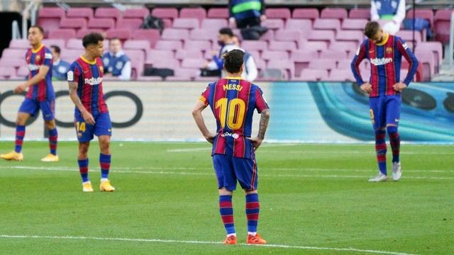 """Barcelona thất bại trước Real Madrid: Bị oan hay HLV Koeman quá """"non""""? - 1"""