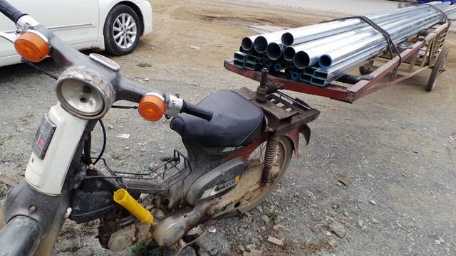 Xe chở bình oxy đâm thủng Mercedes và nhức nhối vấn nạn xe máy cũ nát - 2