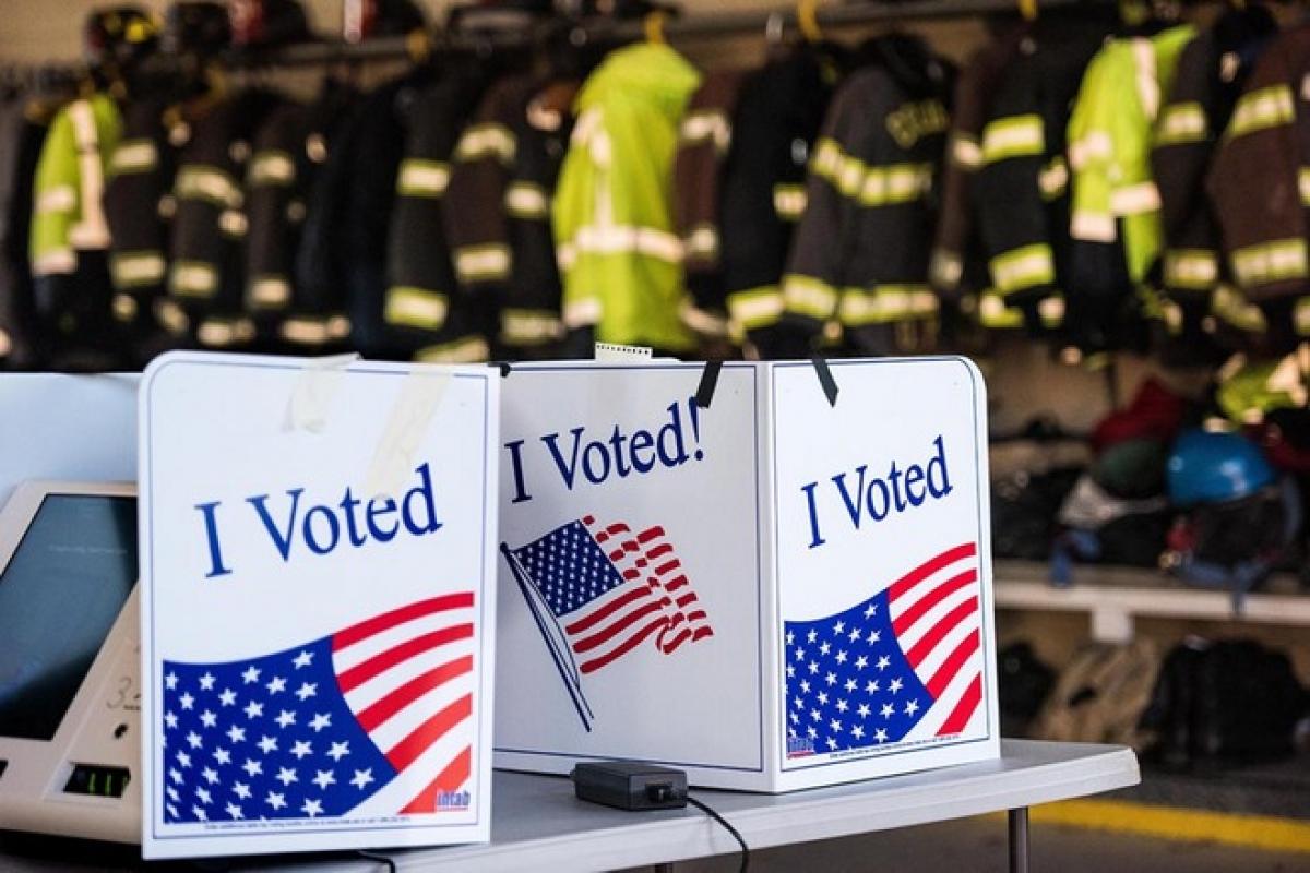 Kỷ lục 60 triệu cử tri bỏ phiếu sớm trong cuộc bầu cử Tổng thống Mỹ