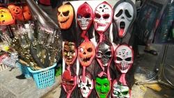 Hà Nội: Hiểm họa khôn lường từ đồ chơi bạo lực, kinh dị dịp Halloween