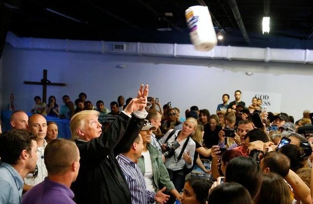 """Nhiệm kỳ đầy """"sóng gió"""" của Tổng thống Trump (1)"""