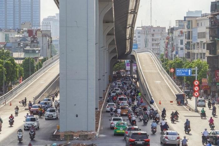 Hà Nội: Thông xe đường Vành đai 2 trên cao, phương tiện đi lại thế nào?