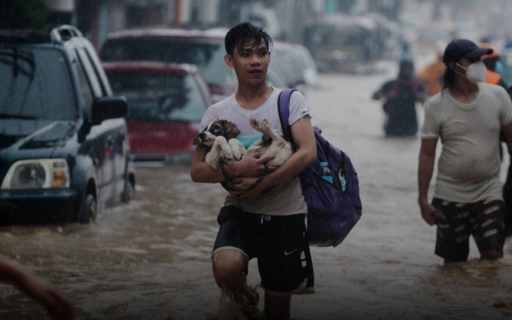 Bão Vamco gây lũ lụt tồi tệ nhất ở thủ đô Philippines trong nhiều năm