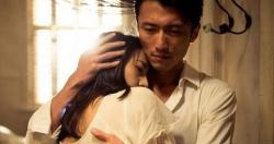 Ly hôn 6 năm, người chồng choáng váng khi gặp bé gái giống hệt vợ cũ