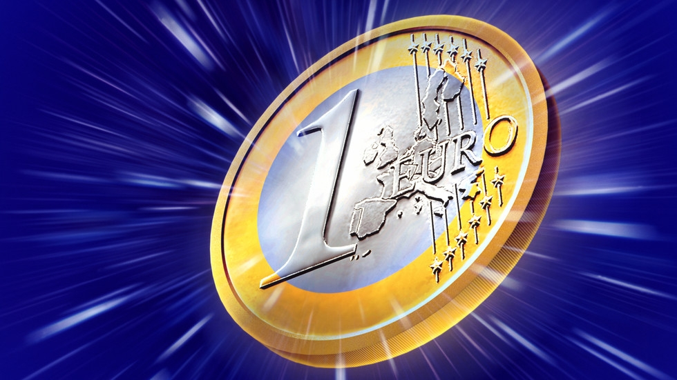 Đánh bại đô la Mỹ, đồng euro được sử dụng nhiều nhất trên thế giới