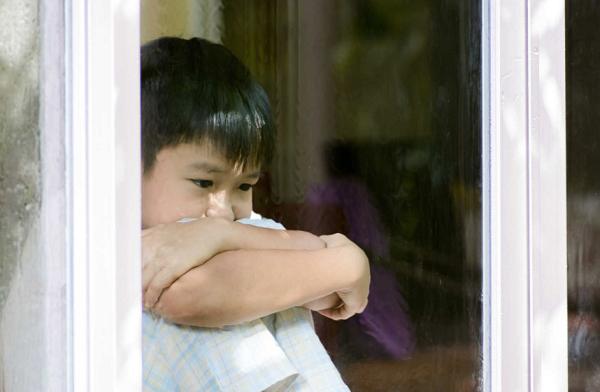 10 dấu hiệu chứng tỏ con trẻ đang gặp rắc rối